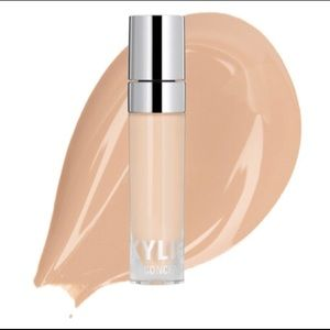 NEW KYLIE Skin Concealer In IVORY